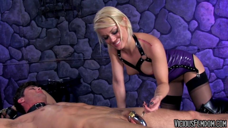 Strapon rachel evans pegging her ponytailed boyfriend 5
